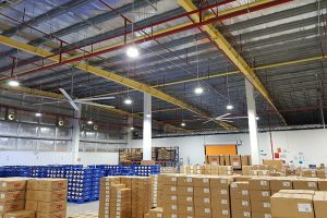 DIFFERENCES BETWEEN HVLS INDUSTRIAL CEILING FANS AND AIR CONDITIONERS